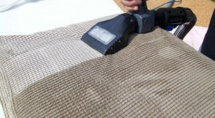 hot water extraction for upholstery cleaning